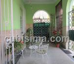 apartamento de 3 y medio cuartos $125,000.00 cuc  en calle g vedado, plaza, la habana