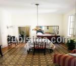 apartamento de 4 cuartos $85,000.00 cuc  en vedado, plaza, la habana