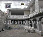 casa de 3 cuartos $60,000.00 cuc  en calle bayona san isidro, habana vieja, la habana