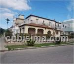 casa de 4 cuartos $270,000.00 cuc  en ampliación de almendares, playa, la habana