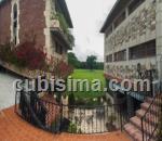 casa de 10 y medio cuartos $530,000.00 cuc  en calle 206 fontanar, boyeros, la habana