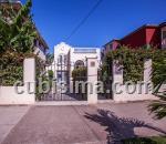 casa de 4 cuartos $210000 cuc  en calle ave 13 ampliación de almendares, playa, la habana
