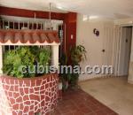 casa de 3 y medio cuartos $90,000.00 cuc  en calle 13 ampliación de almendares, playa, la habana