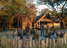 botswana-africa-tent-volunteers-earthwatch
