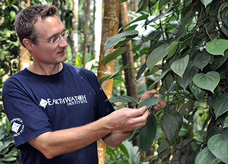 Dr. Dan Bebber – Photo Credit: © Earthwatch.