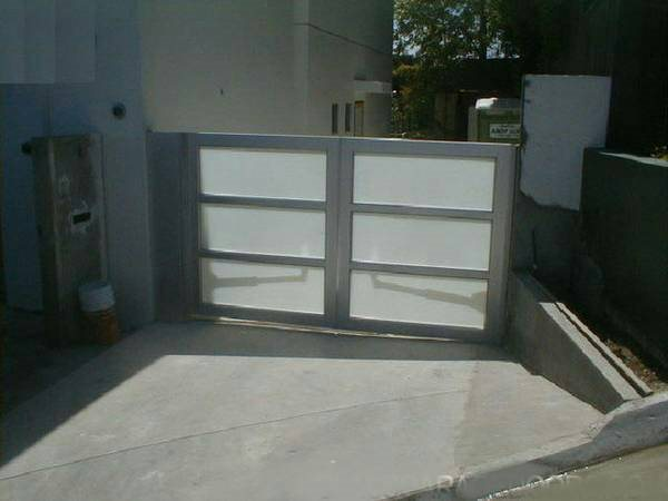 Contemporary Fence Gate Cover Photo