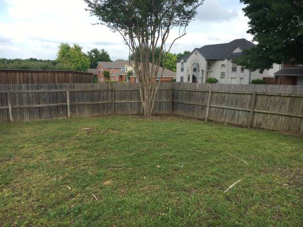 Need Repair And Staining For Fence Cover Photo