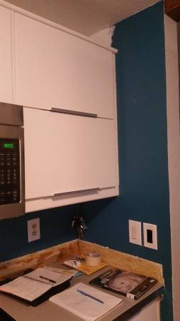 An Affordable Tile Installer for Kitchen Backsplash Cover Photo
