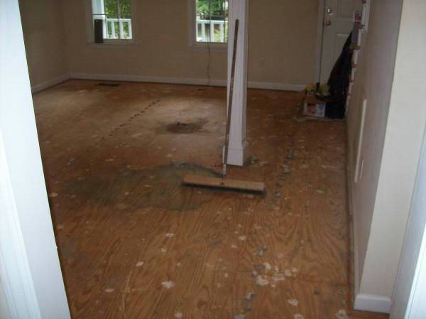Install Laminated Flooring Cover Photo