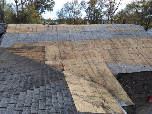 Roofer Cover Photo