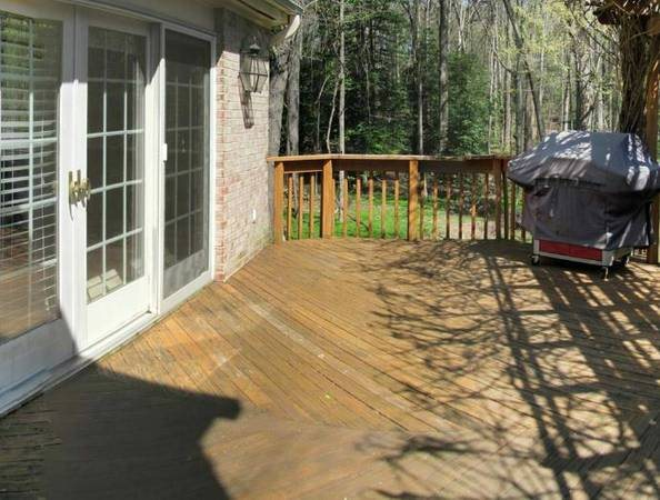 Deck Needs Power Wash   Sealed   Stained Cover Photo