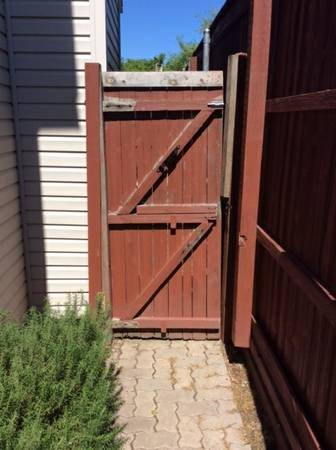 Need New Wood Gate Built-installed Cover Photo