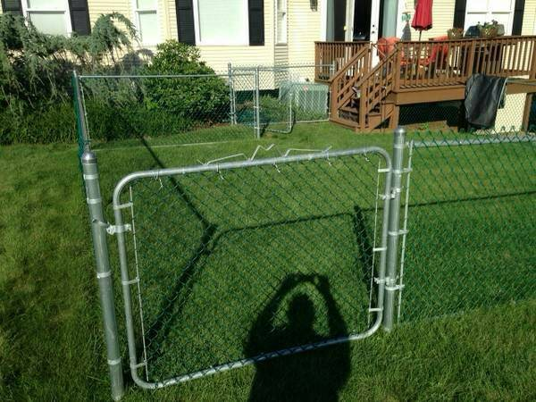 Installing Fence Cover Photo