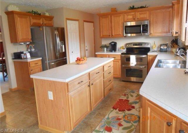 Granite countertops canton ohio cabinets2countertops for Table 6 kitchen canton ohio