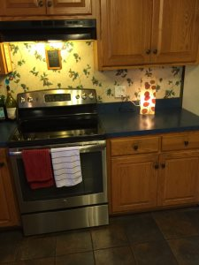 Kitchen Tile Backsplash Cover Photo
