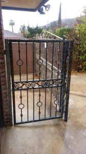 Replace Side Yard Gate Cover Photo