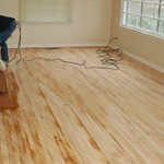 Red oak Hardwood Flooring Contractors Logo