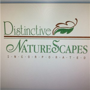 Distinctive Naturescapes Logo