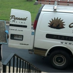 How Much Does a Concrete Driveway Cost Contractors Logo