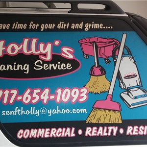 Hollys Cleaning Service Logo