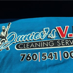 Juniors Window Cleaning Logo