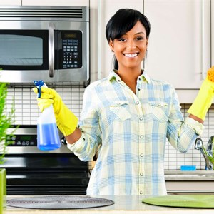 Russell Cleaning Services LLC Logo