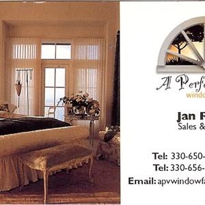 Interior Designer pay Logo