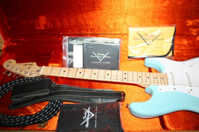 My Fender Custom Eric Clapton 2009 Limited Edition In Daphne Blue Image