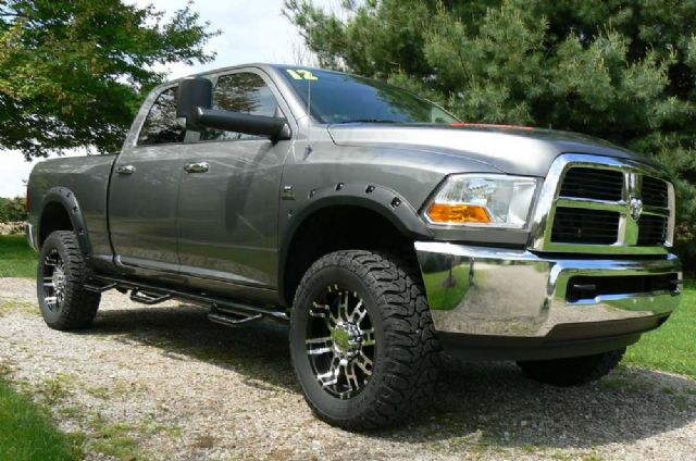 2012 DODGE RAM DIESEL 4x4 SLT - LOW MILES!