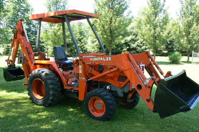 2003 KUBOTA L35, LOADER AND BACKHOE! 4x4! DIESEL!