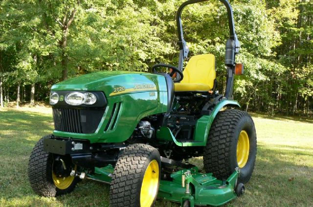 2012 JOHN DEERE 2720 TRACTOR 31.4hp 4x4 LIKE NEW!