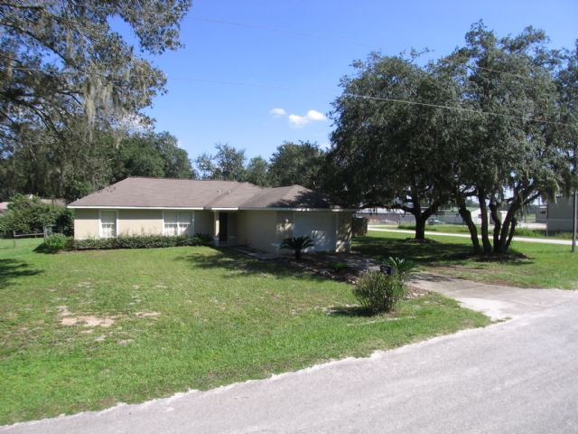 "Price reduced...15 min. to""Villages"" 3/2 & RV area"