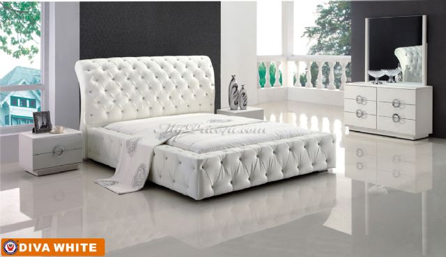 Diva White Platform Bed by American Eagle