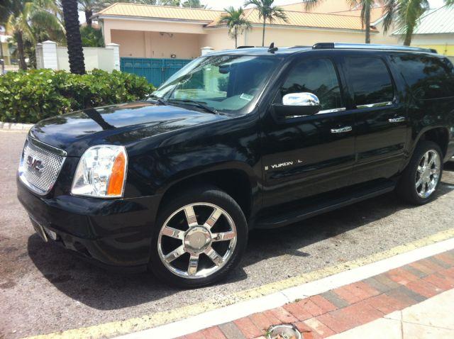 Nassau Bhamas Group Tours| Bahamas Buses|Limos
