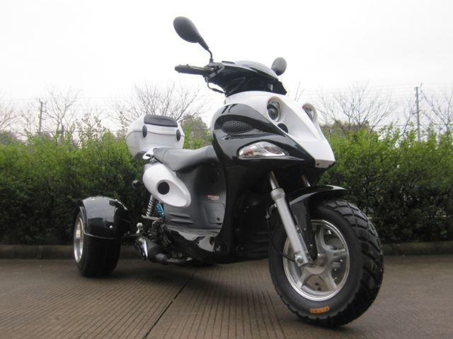 50cc Mojo Trike Scooter Moped