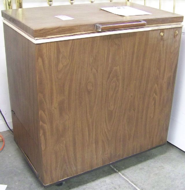 Symbol Mattress Company Small Brown General Electric Chest Freezer in Chesterville IL ...