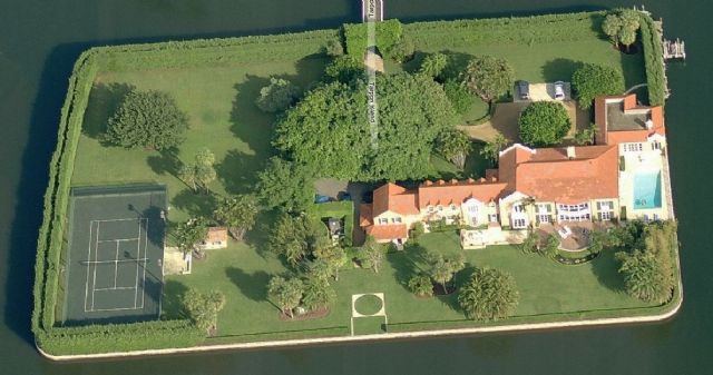 Island Mansion Of A Millionaire In Palm Beach