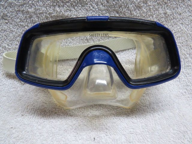 Hawaii Blue childs size snorkel mask