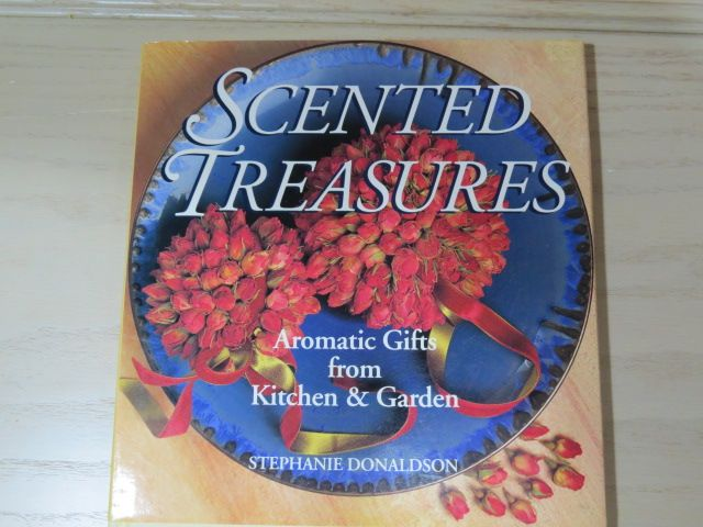 How to Book - Scented Treasures