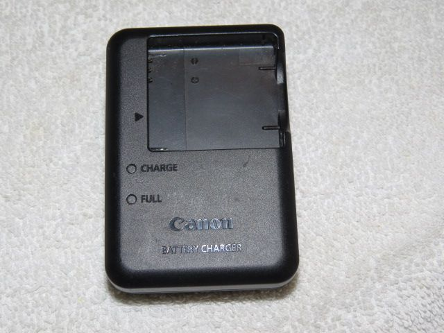 Canon Battery Charger CB 2LA