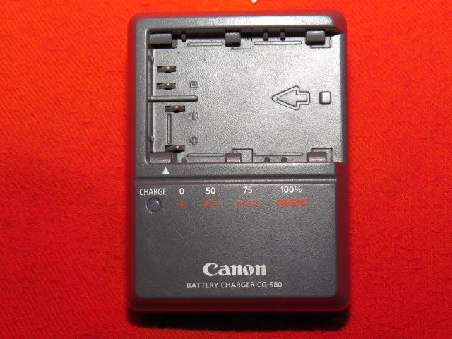 Canon Battery Charger model CG-580