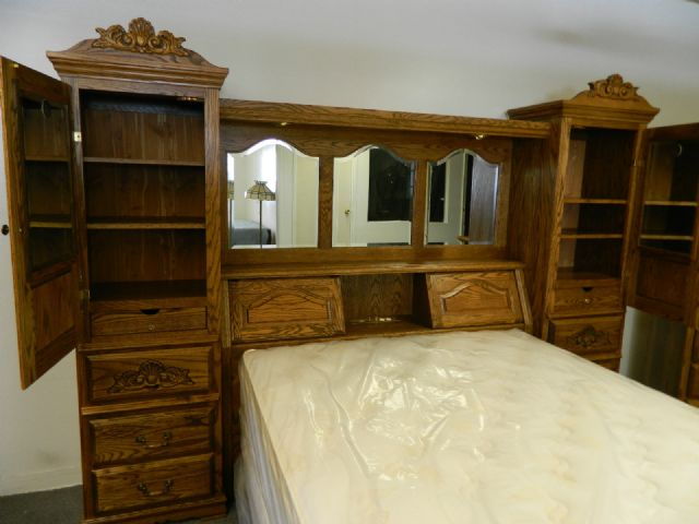 Bebe Solid Oak Bedroom Set Pier Wall Unit Boise Idaho Furniture For Sale Classified Ads