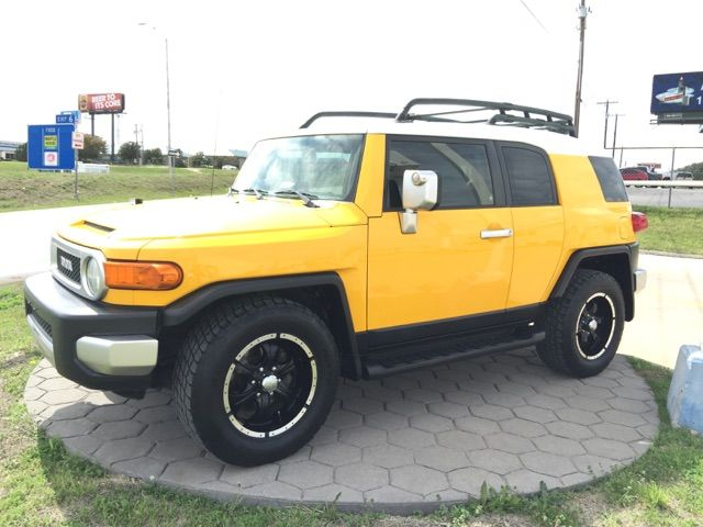 ** IN HOUSE FINANCE ** 2007 FJ CRUISER ** 124K *