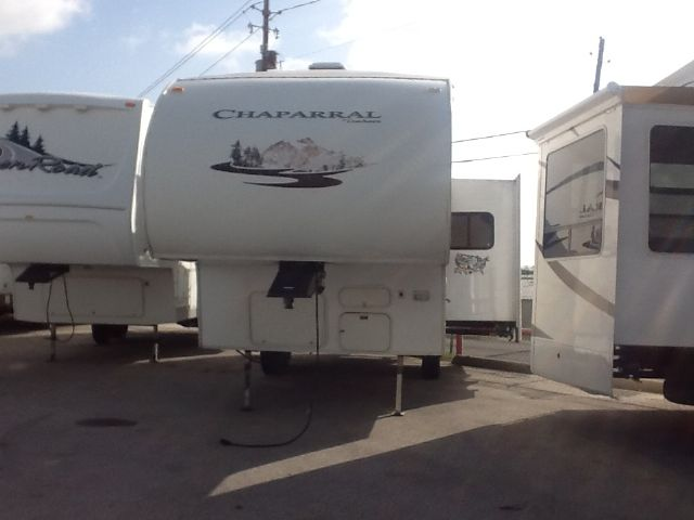 2006 Coachmen Chaparral -IN HOUSE THIS UNIT