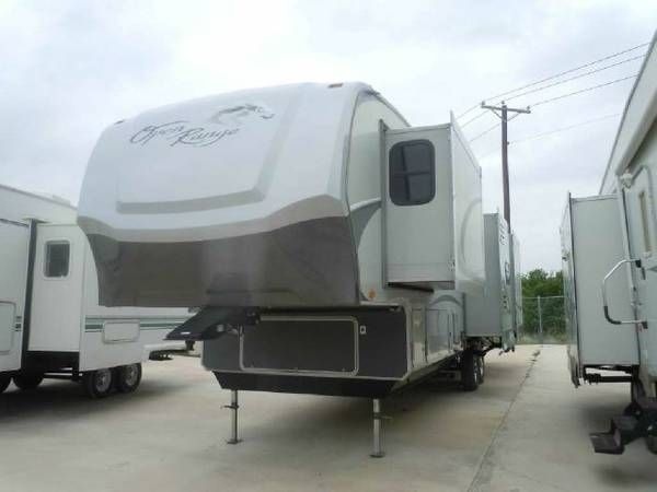 2009 Open Range Fifth Wheel **In House Financing**