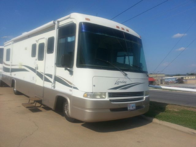 2001 Landau Motor Home w/ In House Financing