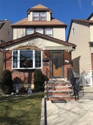 (FOR) Colonial House For Sale In Whitestone