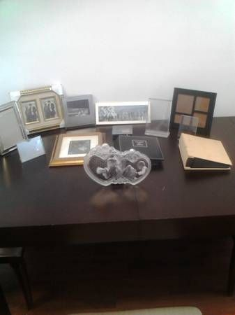 Misc. Picture Frames & Albums (x18)