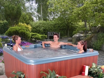 7 Person Hot Tub Spa w/ AM\FM Stereo and IPOD\MP3