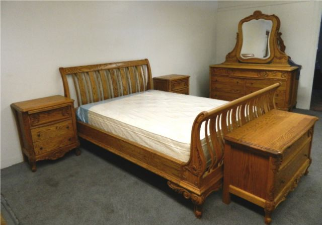 BEBE PARIS SOLID OAK BEDROOM SET